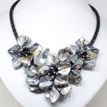 "Handmade flowers shell necklace mother of pearl crystal pendants black 18"" AAA style Fine Noble real Natural (C0309)"