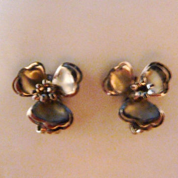 Vintage silver dogwood flower clip earrings 1950s 1960s costume jewelry Spring Summer