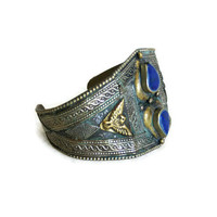 Vintage cuff bracelet metal art jewelry - 3d brass EAGLE & BLUE beads - Patina verdigris - Rustic repousse tribal jewellery - Needs REPAIR