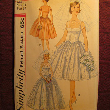 Uncut 1960's Simplicity Sewing Pattern, 3958! Size 18 Bust 38 Large/XL/Women's/Misses/Bridal & Bridesmaid Dresses/Slips/Drop Waist/Scalloped