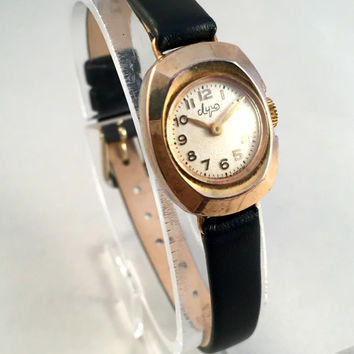 "Vintage RETRO  Women's watch called"" Luch"" (eng.Ray), lovely oval tiny watch with new leather strap!"