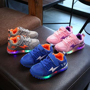 New 2018 European LED lighted children casual shoes high quality glowing sneakers girls boys hot sales sports kids sneakers