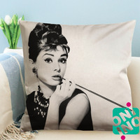 Audrey Hepburn, Breakfast at Tiffany's Zippered Pillow Case, Cushion Case, Pillow case