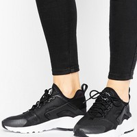 Nike - Huarache Run Ultra - Baskets - Noir at asos.com