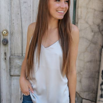 Simply Beaming Top - Light Taupe