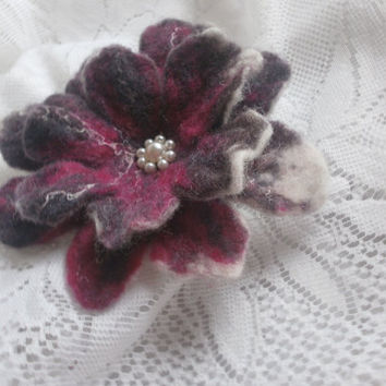 Felt Brooch,White Red Brown brooch, Felted flowers,Unique,Accessories,Poppy  Felt flower Brooch, Handmade Flower,Felt Jewelry , Brown Flower