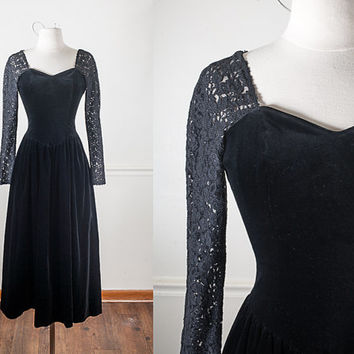 1980s Black Velvet Maxi Dress / Soft Goth Prom Dress / Laura Ashley Black Velvet Dress / Medieval Style / Bohemian Clothing / Holiday Dress
