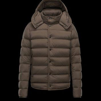 ONETOW Outlet Specially Moncler Mens Down Jackets Nazaire