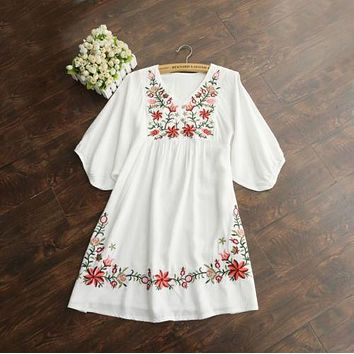 2018 Hot Sale Vintage 70s Women Mexican Ethnic Embroidered Pessant Hippie Blouse Gypsy Boho Mini Dress Free Shipping