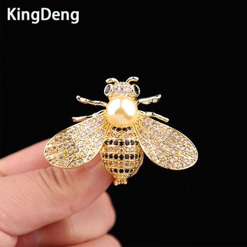 Bee Pins Brooch For Women Accessories Gifts For Cute Baby Lovely Scarf Pin Vintage Karl Jewelry Lapel Pin Baby Hat Enamel Pins