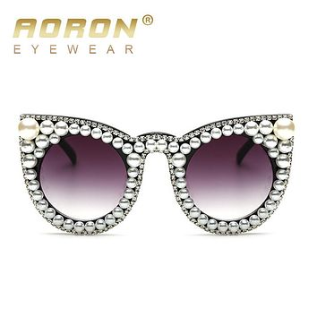 New Fashion High quality Luxury Rhinestone Pearl Cat Eye Sunglasses Women Brand Designer Oversized Sunglasses Oculos UV400