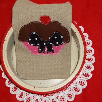Hand Appliqued Cup Cake Dish Towel,,, Cup Cake Collector, Decor,,Kitchen Decor, Country Decor
