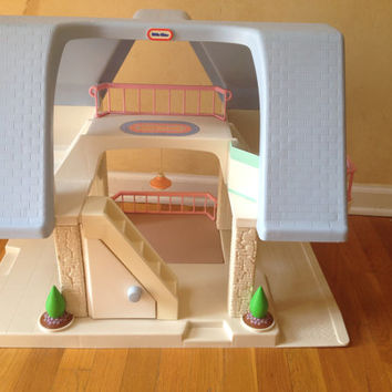 Little Tikes vintage blue roof doll house and accessories