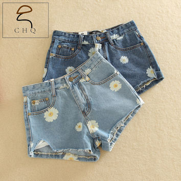 Cheap hot selling 2016 new collection spring summer women's denim shorts daisy print jeans female denim shorts free shipping