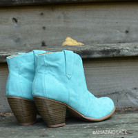 SZ 6 Minnie Mint Bootie Suede Boots Teal -
