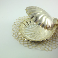 Vintage Shell Tray Metal Shell, Shell Butter Dish, Covered Dish, Silver Tone Shell Sea Shell Scalloped Nautical Silver Tray Silver Sea Shell