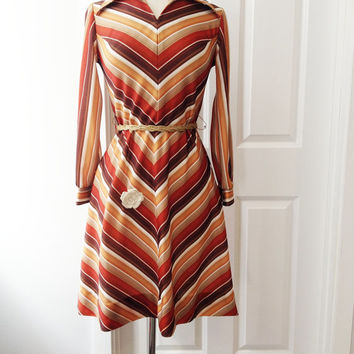 Vintage 70s Chevron Dress Rustic Fall Colors Beige Burnt Orang