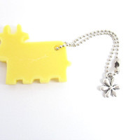 Yellow moose cow key chain , resin tag , bag tag , zipper tag, flower silver chain , handmade Sydney Australia , bovine animal flora , farm