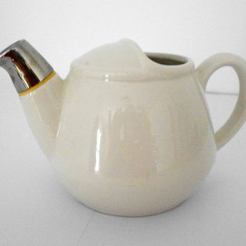 Hall White Vintage Teapot 2528 Made in USA