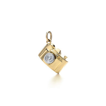Tiffany & Co. -  Camera charm. Diamond, 18k gold.