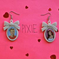 Saved by the Bell cameo couple earrings - Zach and Kelly