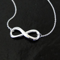 Reese Witherspoon Infinity Necklace in Sterling Silver - Everlasting Love