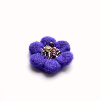 Little Needle Felted Brooch Purple Wool Felt Flower, Small Felt Flower Pin, Little Flower Brooch, Felted Flower,Corsage Brooch,Woolen Brooch