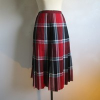 1960 Highland Queen Red Skirt Wool Reversible Pleated 60s Burgundy Womens Vintage Skirt Made in Canada