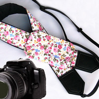 Flowers Camera Strap with a Pocket. Floral Camera Strap. DSLR / SLR Camera Strap. Photo Camera accessories. For Sony, canon, nikon, panasonic, fuji and other cameras.