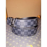 MENS LOUIS VUITTON BLACK BELT SIZE 90/36