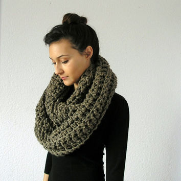Chunky Infinity Scarf Barley The Bastille by deroucheau on Etsy