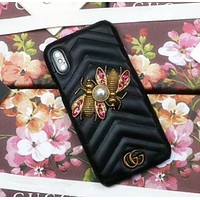 Gucci Popular logo metal honeybee gucci iphone7/8 hand case 6plus skin pattern x protection sleeve Black