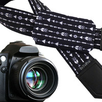 Arrows camera strap with pocket. DSLR / SLR Camera Strap. Photo Camera accessories. Padded camera strap. Black and white camera strap.