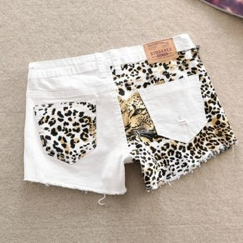 Stitching Slim hip sexy leopard small hole shorts A 073001