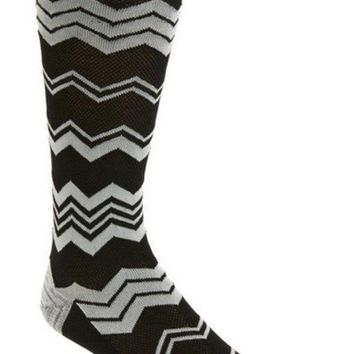 DCCK8BW CHEVRON SOCKS