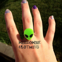 Tiny  Green ALIEN  resin  adjustable ring, silver plated  UFO space 90s grunge