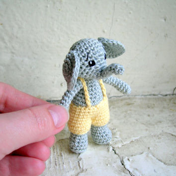 Amigurumi elephant in shorts, miniature crochet elephant, elephant plush, elephant toy, stuffed animal, tiny elephant doll, crochet doll