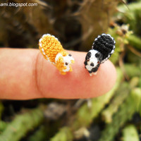 Super Tiny Squirrels Pair of Micro 03 crochet miniatures by suami