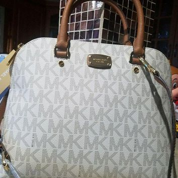 DCCKLO8 MICHAEL KORS $340 CINDY LARGE DOME VANILLA MK LOGO SATCHEL BAG AUTHENTIC Mk
