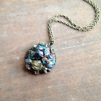 Peacock Ore Chip Necklace - Bornite Chalcopyrite Crystal Necklace - Antique Brass Chain - Boho - Hippie Necklace