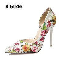 2017 Spring Summer Women shoes Vintage Print flowers pointed toe High heels Women pumps National style OL shoes Woman Zapatos