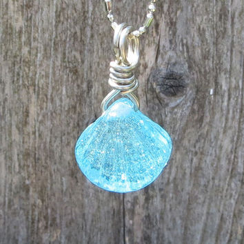 Caribbean Blue Clam Shell Glass Necklace