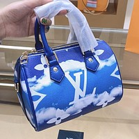 Louis Vuitton Fashion New Lady Gradient Printed Letter Shoulder Bag Small Luggage BagLouis Vuitton LV Fashion New Lady Gradient Printed Letter Shoulder Bag Small Luggage Bag