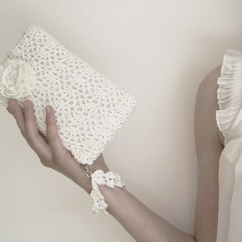 White Queen Rossette Crochet Clutch Bag