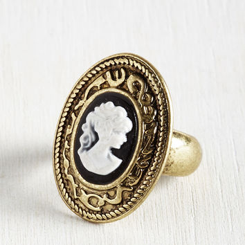 Portrait of a Stylista Ring | Mod Retro Vintage Rings | ModCloth.com