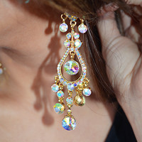 Jingle Bells Earrings: Gold
