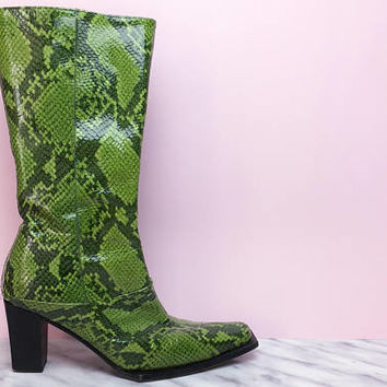Vintage boots, snakeskin boots, animal print, ropa vintage, heel boots, 70's boots, 90's boots, bright green, block heel, cowboy boots