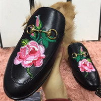 2016 Ladies Winter Flats Shoes Leather Loafers Women Slip On Rabbit Fur Flats European Hot Sale Luxury Loafers Flower Shoes