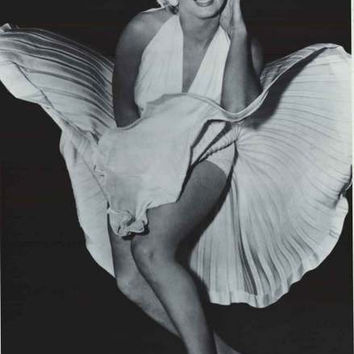 Marilyn Monroe White Dress Poster 24x36