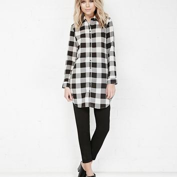 Long Sleeve Black and White Plaid Long Line Blouse